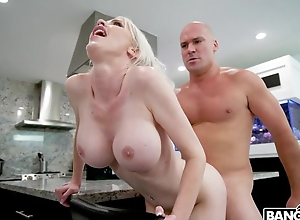 Cock-hungry blonde MILF gets drilled in a difficulty kitchen