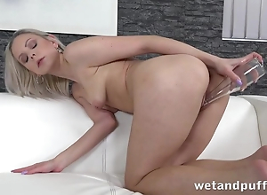 Sultry chick uses glass bottle in solo masturbation